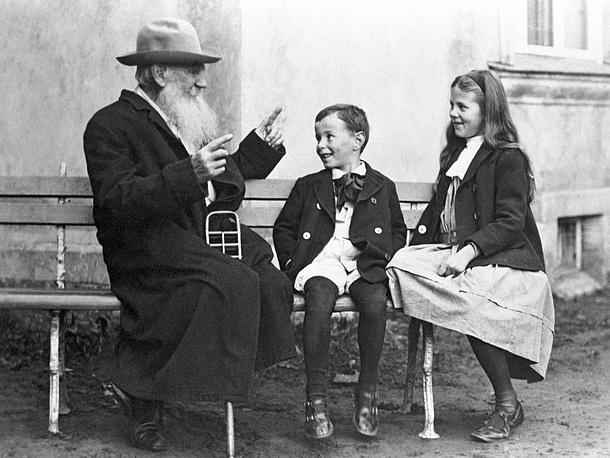 Leo Tolstoy tells a fairy tale to his grandchildren, 1909