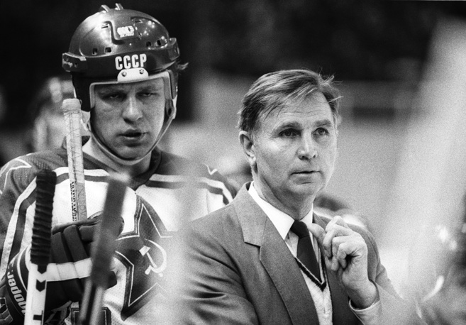 Viktor Tikhonov and CSKA team captain Vyacheslav Fetisov, 1989