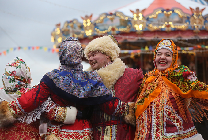 Festivities at the Christmas fair in Moscow