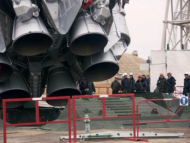 Proton is widely used for launches of commercial satellites. Photo: The final preparations for launch of the Proton-M booster with American AMC-23 telecommunication satellite
