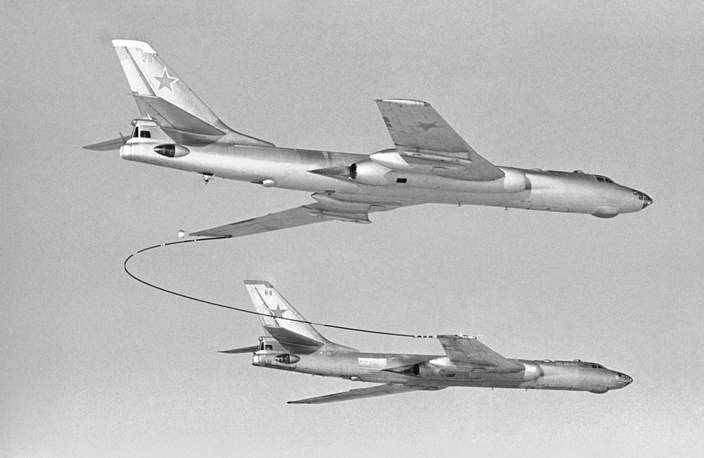 Tupolev Tu-16 is a twin-engined jet strategic bomber used by the Soviet Union. It has flown for more than 50 years. Photo: Tu-16 bombers seen during the aerial refueling