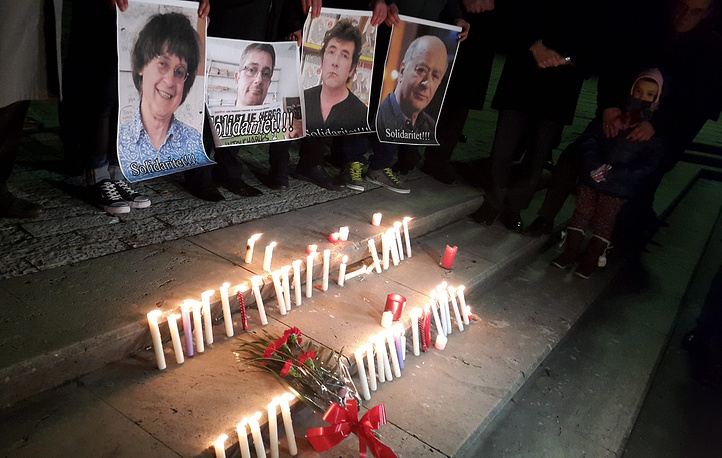 Candles are lit to commemorate the victims and condemn the massacre at the French magazine Charly Hebdo in Tirana, Albania
