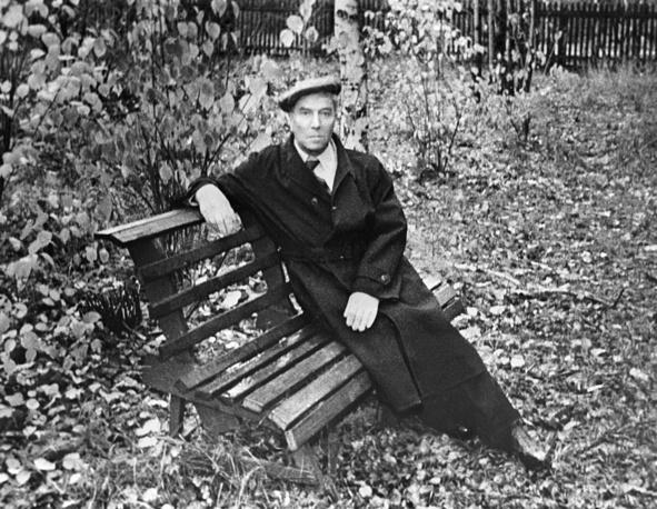 Russian writer, winner of the 1958 Nobel Prize in Literature, Boris Pasternak (1890-1960) in Peredelkino, 1958