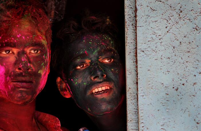 Сelebrations of the Holi festival in Calcutta, India