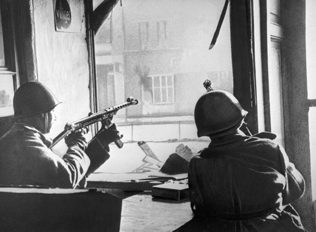Street fighting in Berlin, 1945