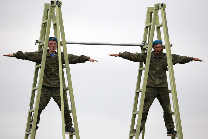 Soldiers performing at the 2015 International Army Games