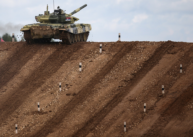 Tank biathlon at the 2015 International Army Games