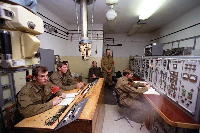 Central control panel at Plesetsk cosmodrome, 1996