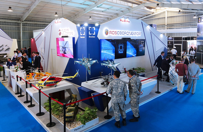 The stands of Russian Helicopters (L) and Rosoboronexport at the FIDAE-2016 aerospace exhibition