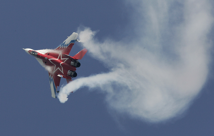 MiG 29 fighter jet of Strizhi (Swifts) at MAKS (the International Aviation and Space Show), 2009