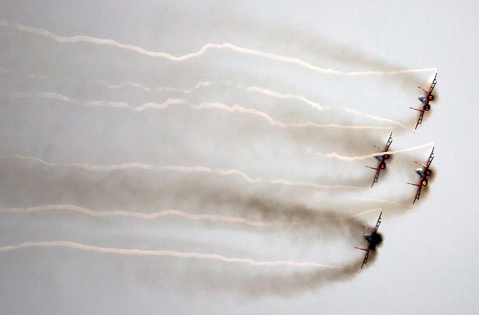 MiG-29 fighter jets of the Strizhi [Swifts] aerobatic team