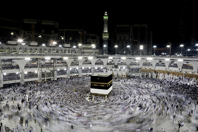 Muslim pilgrims circle the Kaaba, Islam's holiest shrine, at the Grand Mosque in the Muslim holy city of Mecca, Saudi Arabia, September 7