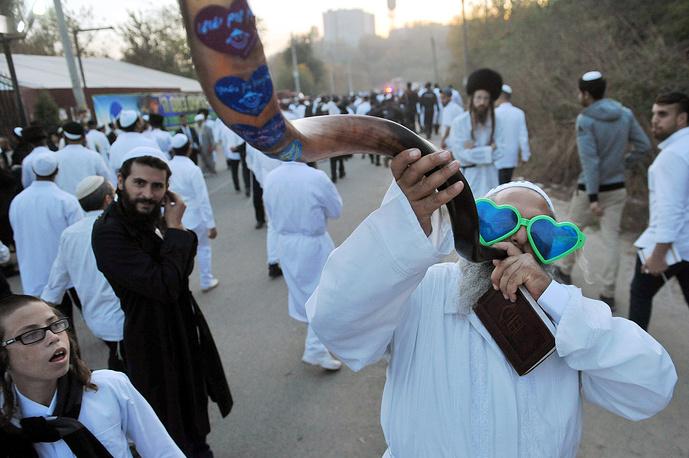Hasidic Jews in the town of Uman celebrating Rosh Hashanah, the Jewish New Year, Ukraine, October 3