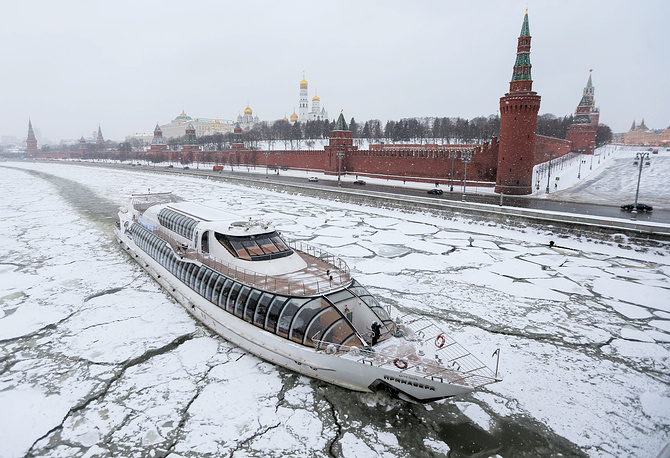 A view of the Moskva River and Kremlin Embankment during a snowfall, Russia, January 15