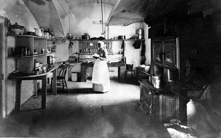 In 1891, First Lady Caroline Harrison proposed major changes to the White House. She laid new floors, installed new plumbing, painted and wallpapered, and added more bathrooms. In 1891 she had electricity installed but was too frightened to handle the switches. She left the lights on all night and a building engineer turned them off each morning. Photo: Kitchen in the White House, 1891