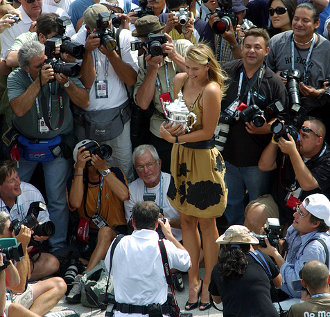 Maria Sharapova, the US Open women's singles champion, poses with her trophy in New York, 2006