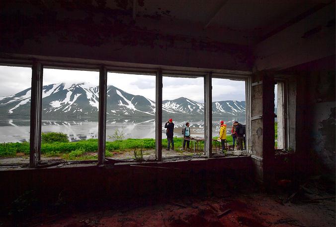 An abandoned garrison settlement by the Bechevinskaya Bay