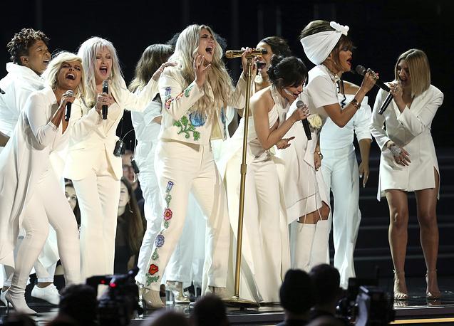 "Kesha performs ""Praying"" as Bebe Rexha, Cyndi Lauper, Camila Cabello, Andra Day and Julia Michaels provide back up vocals"