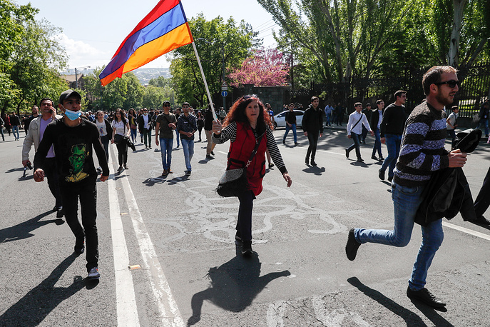 On April 17, Serzh Sargsyan was elected as head of state by Armenia's parliament despite the protests