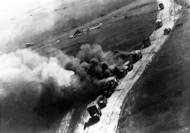 German military column attacked by Soviet aviation, 1943