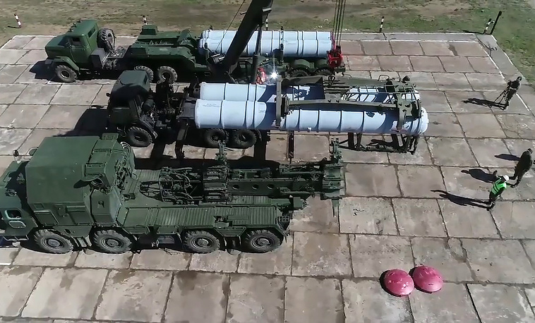 Anti-aircraft missile troops and tactical air defense units of Russia's Central and Eastern Military Districts take part in the drills