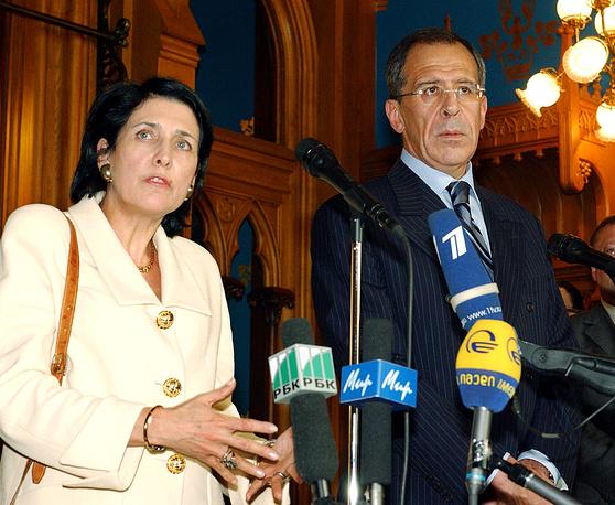 Georgian Foreign Minister Salome Zurabishvili and Russian Foreign Minister Sergei Lavrov, 2004