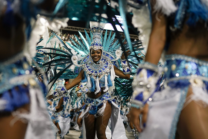 A performer from the Beija Flor samba school
