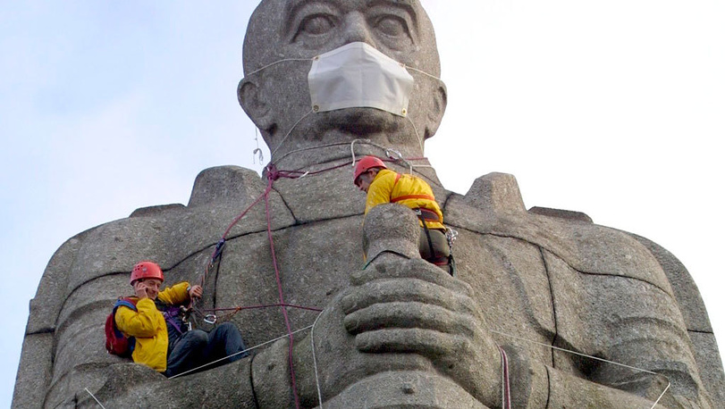 Activists on Bismarck Monument, Hamburg, 2002