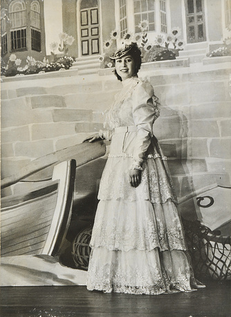 Королева Елизавета II. 1944 год