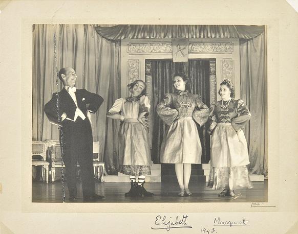 """В спектакле """"Алладин"""". 1943 год"""