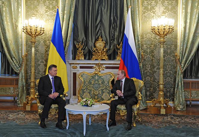 Президент Украины Виктор Янукович и президент РФ Владимир Путин во время встречи в Кремле