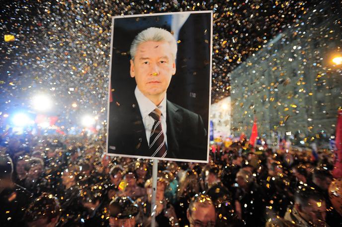 Участники митинга в поддержку кандидата в мэры Москвы Сергея Собянина на Болотной площади