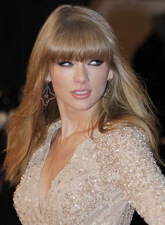 Тейлор Свифт получила награду как лучшая исполнительница кантри