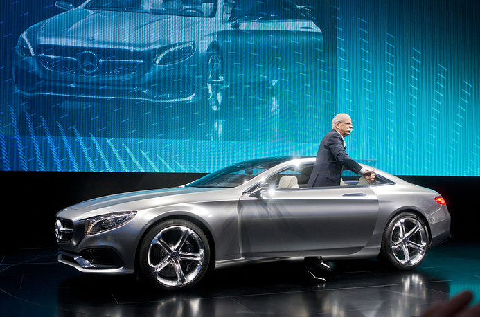 Председатель Совета директоров Daimler AG Дитер Цетше во время презентации Mercedes S-Class Coupe