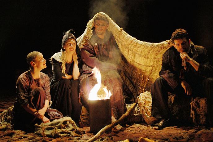 """Премьера спектакля """"Антигона"""" прошла на сцене Театра """"На Литейном"""" в Санкт-Петербурге."""