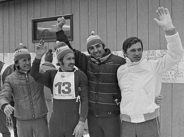США. Советские биатлонисты (слева направо) В.Аликин , А.Алябьев, В. Барнашов и А.Тихонов - победители в эстафетной гонке.Зимняя Олимпиада в Лэйк-Плесиде, 1980 г.