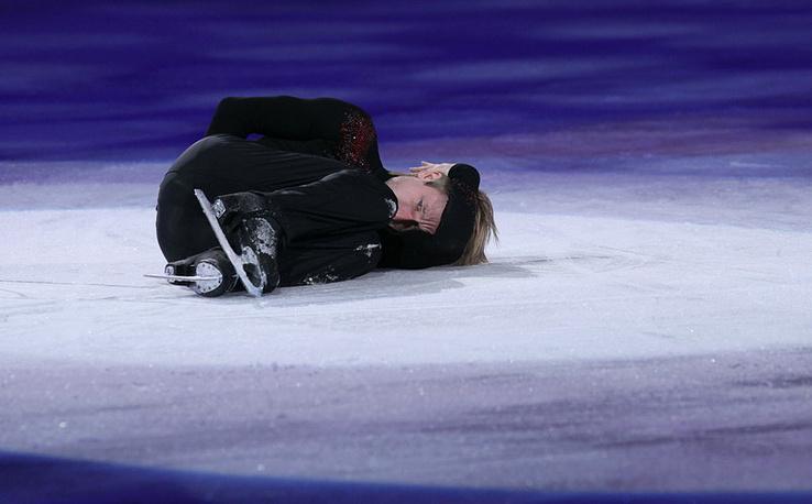 Евгений Плющенко во время выступления на Гала шоу зимних Олимпийских игр в  Ванкувере. 2010 г.