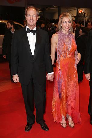 Посол США в Германии Джон Эмерсон с супругой