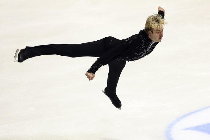 Плющенко выиграл чемпионаты России и Европы в сезоне-2011/12, а в следующем, вновь став чемпионом страны, снялся с европейского первенства из-за травмы. На фото: чемпионат Европы по фигурному катанию в Загребе, 2013 г.