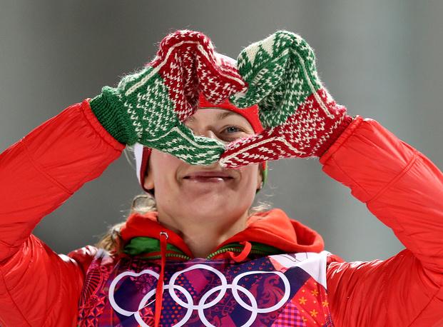 Белорусская биатлонистка Дарья Домрачева выиграла золотую медаль в гонке масс-старта