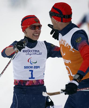 """Лыжница Михалина Лысова завоевала золото Паралимпийских игр в спринте в категории """"с нарушением зрения"""""""