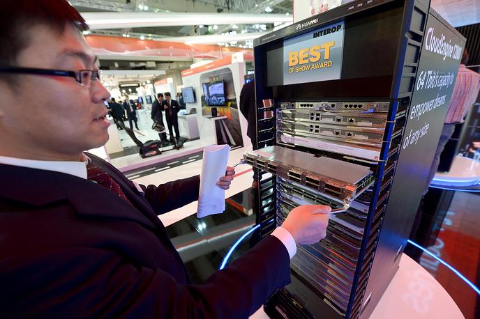 На CeBIT-2014 была представлена продукция почти 3,5 тысяч производителей. На фото: сервер CloudEnergie 12800 на стенде HUAWEI