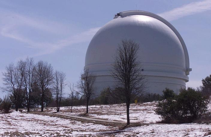 8. Обсерватория Паломар (Palomar Observatory) состоит из четырех основных инструментов: 200-дюймового телескопа Хейла, 48-дюймового телескопа Самуэля Ошина, 18-дюймового телескопа Шмидта и 60-дюймового телескоп-рефлектора. Обсерватория знаменита кварцевыми зеркалами максимальных размеров. На фото: телескоп Хейла, Калифорния, США