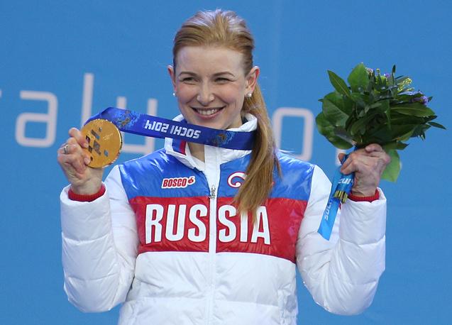 Алена Кауфман стала трехкратной чемпионкой Паралимпийских игр - у спортсменки золото в смешанной эстафете в лыжных гонках и два в биатлоне (дистанции 6 км и 10 км)