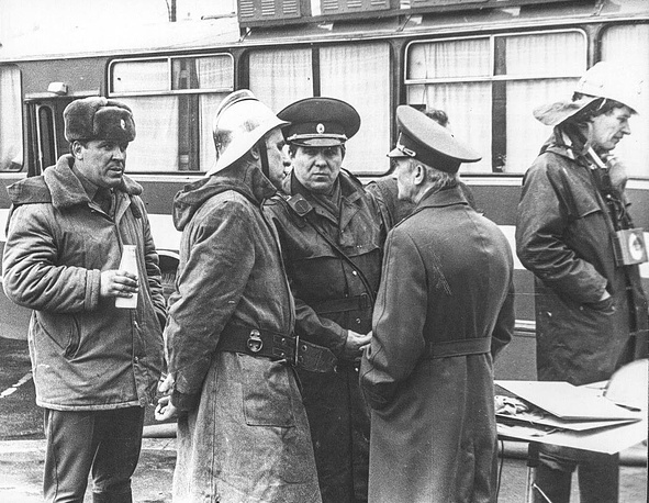 19 наиболее отличившихся сотрудников пожарной охраны были награждены орденами и медалями