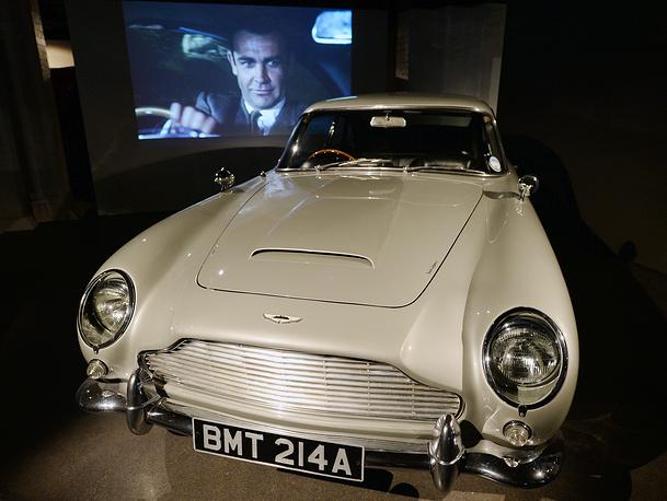 Aston Martin DB5 – самая знаменитая машина Джеймса Бонда