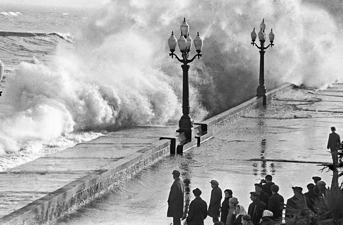 Шторм на Черном море в Ялте, 1970 год