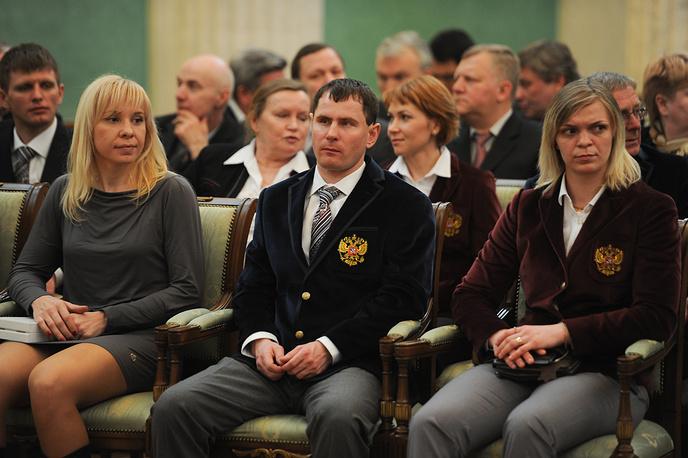 Участники Олимпийских и Паралимпийских игр в Сочи Юлия Скокова, Александр Федорук и Юлия Лескина (слева на право) на приеме