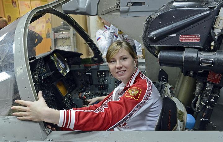 Ольга Фаткулина за штурвалом фронтового бомбардировщика Су-24М