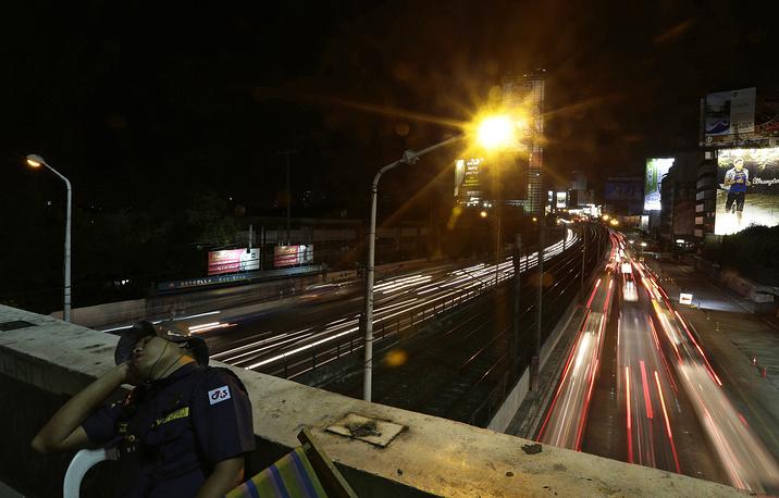Филиппины, Манила, платформа на Эпифанио-де-лос-Сантос авеню